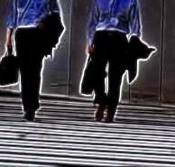detectiveswalking02_20110529025501.jpg