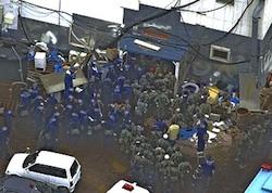 policeattacksatian01n.jpg