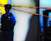 policemanstandline02x.jpg