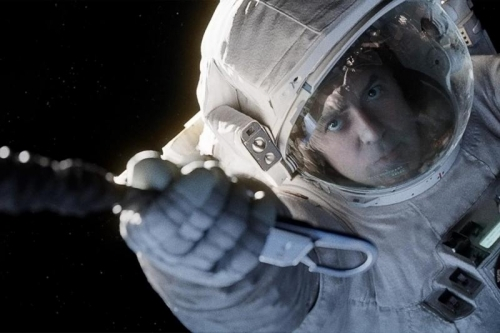 gravity-movie-review-george-clooney (800x533)