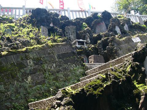 成田山横浜別院のブラフ積みA