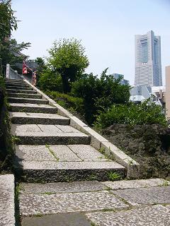 成田山横浜別院のブラフ積みD