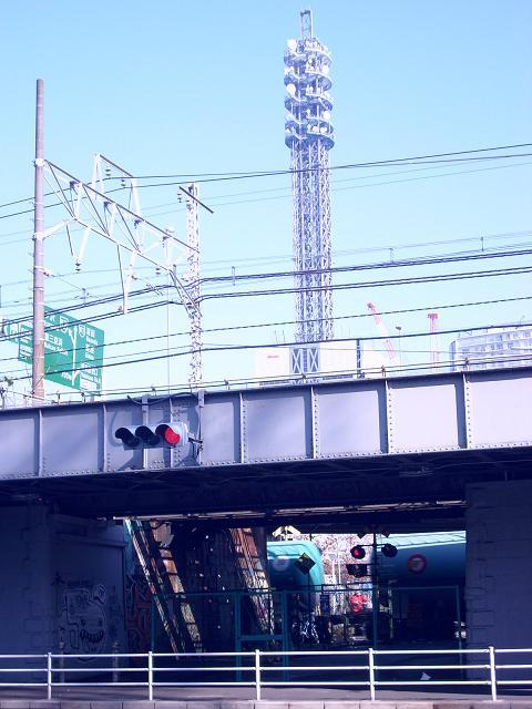 東海道本線貨物支線・高島線の三菱ドック踏切A