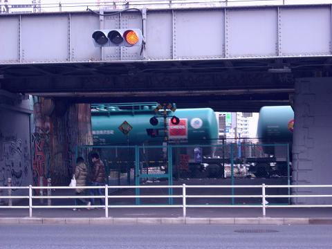東海道本線貨物支線・高島線の三菱ドック踏切B