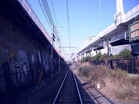 東海道本線貨物支線・高島線の三菱ドック踏切C