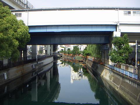 中村川の石川町駅前歩道橋 C