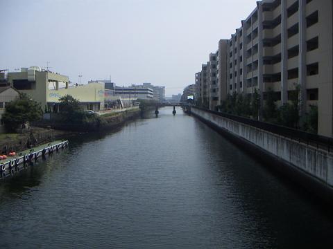 新山下運河の霞橋 E