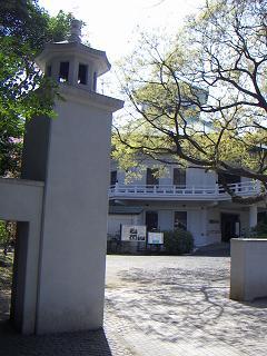 八聖殿 A