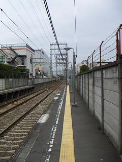 京急の鈴木町駅 D