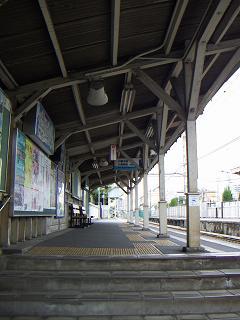 京急の鈴木町駅 K