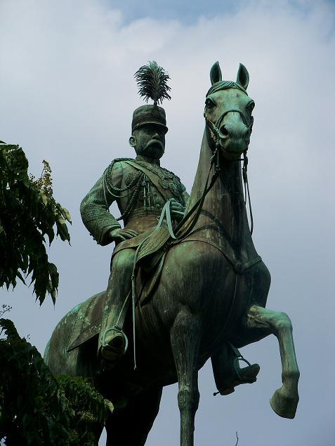 小松宮彰仁親王像