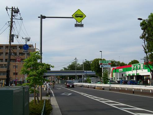 西武拝島線の萩山第3踏切道@小平市A