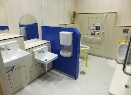 ファミリートイレ