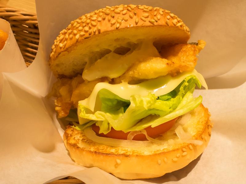 RedTail、ホワイトフィッシュチーズバーガー