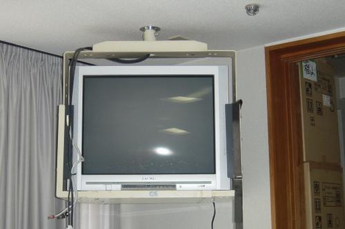 山口市阿知須 N様 天井吊り下げテレビ 取替工事 旧ブラウン管テレビ1