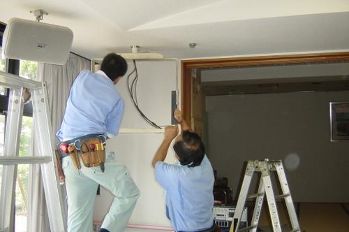 山口市阿知須 N様 天井吊り下げテレビ 取替工事 旧ブラウン管テレビ撤去