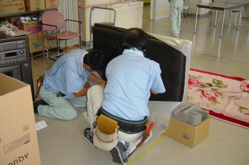 山口市阿知須 N様 シャープ 大画面液晶テレビ LC-52SE1 取り付け3