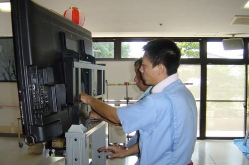 山口市阿知須 N様 シャープ 大画面液晶テレビ LC-52SE1 取り付け4