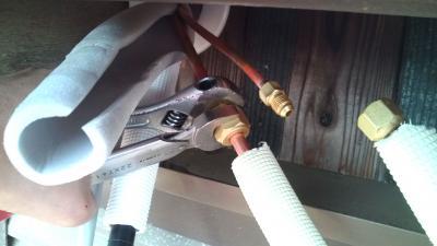 エアコン 銅管 接続
