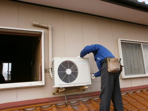 山口市阿知須 K様邸 日立 新製品エアコン ステンレスクリーン 白くまくん RAS-SX25B 2台取付工事
