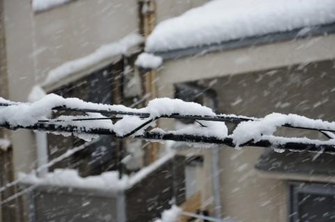16日にかけて猛吹雪 予想積雪量 北海道60センチ、東北50センチ、北陸70センチ