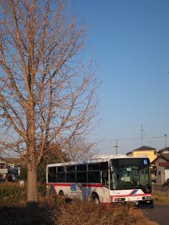 待機中の名鉄バス