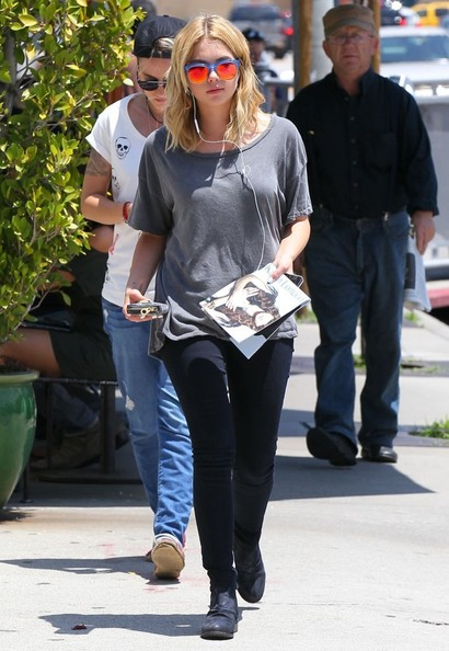 Ashley+Benson+Lunches+Friend+Urth+Caffe+59S0J3na4Eml.jpg