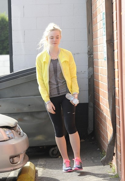Elle+Fanning+goes+dance+class+studio+city+depcVxN3xD5l.jpg