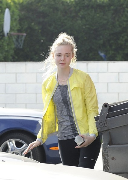 Elle+Fanning+goes+dance+class+studio+city+jbGsSFco1aAl.jpg