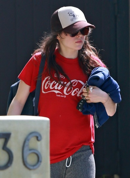 Ellen+Page+Leaving+The+Gym+3DxGLn9tLD7l.jpg