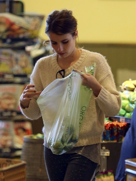 Emma+Roberts+Stocks+Up+Groceries+cTThigUvZcgl.jpg