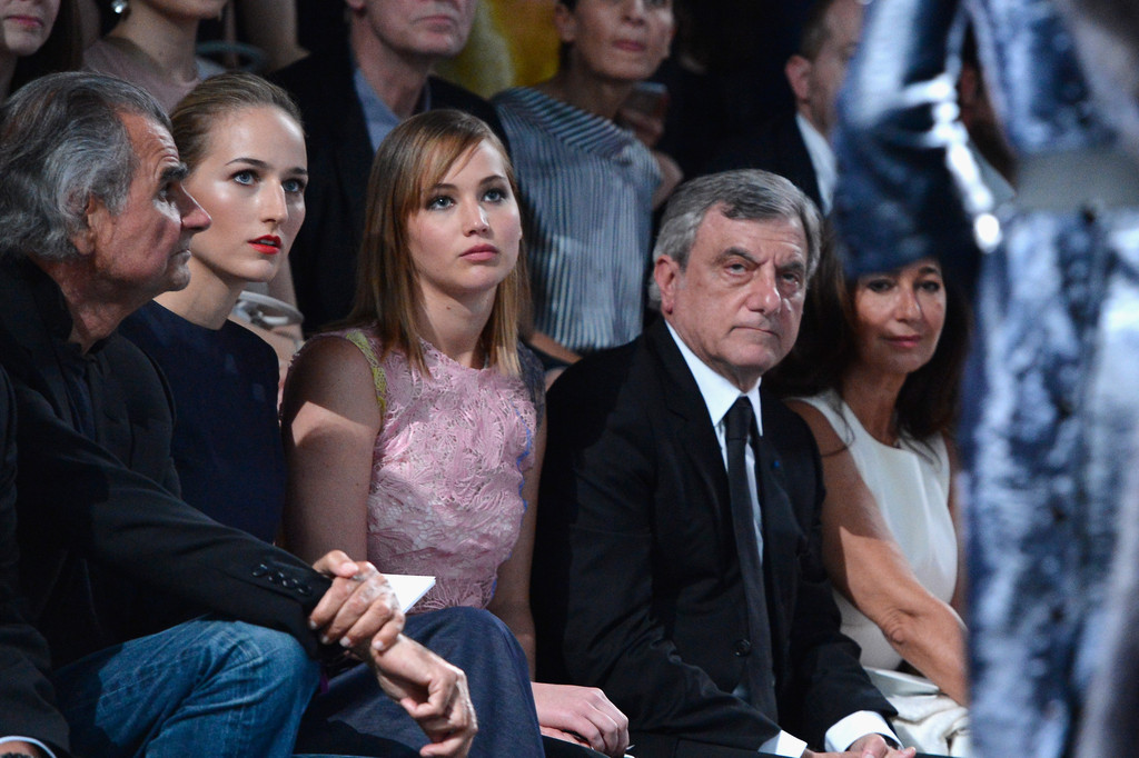 Jennifer+Lawrence+PFW+Front+Row+Christian+c1OUcyBeRQux.jpg