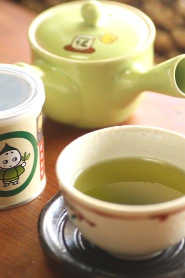 こいまろ茶口コミ~お茶の入れ方関係なし!急須&茶さじ付き1050円