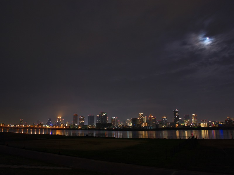 淀川河川敷 夜景 満月 スーパームーン