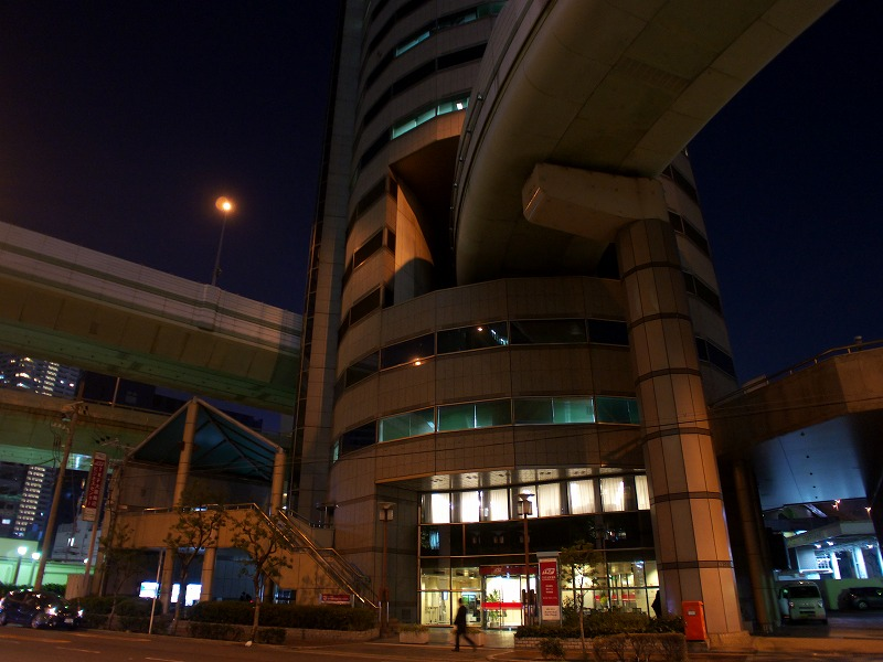 梅田 阪神高速 ビル貫通