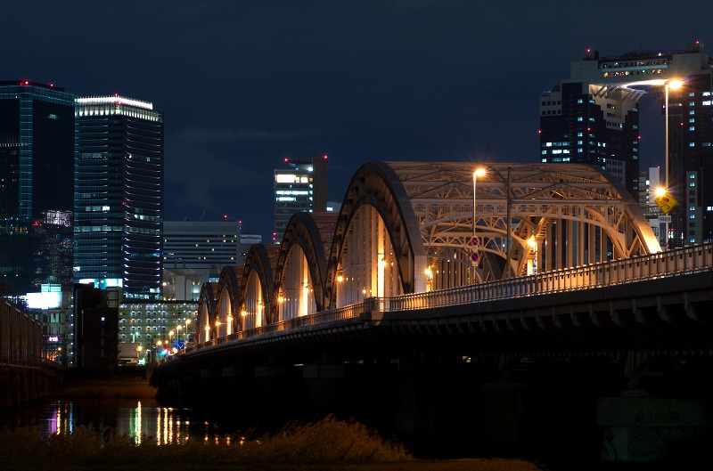淀川河川敷・十三大橋の夜景