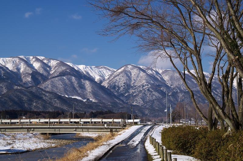 知内川 雪景色 雪化粧 河川敷