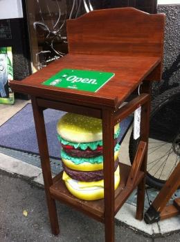Burgerlion_001_org.jpg