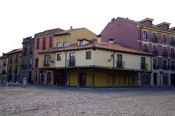 1394 Plaza del Grano