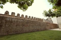 1408 dentro de muralla