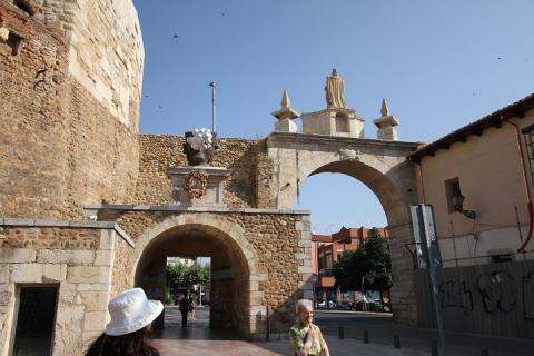 1945 puerta castillo