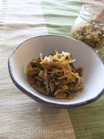 セロリの葉と生姜の佃煮風1