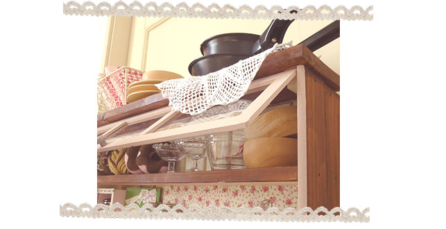 2011キッチン扉ガラス扉風開けると・・・