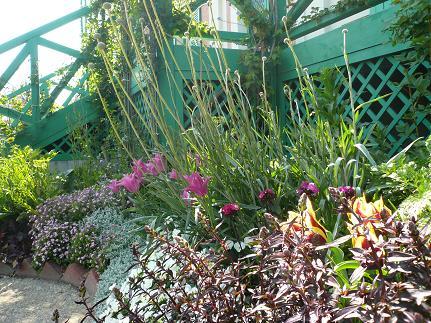 モネの家の前の花壇