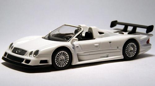 CLK_GTR_Roadster_001.jpg