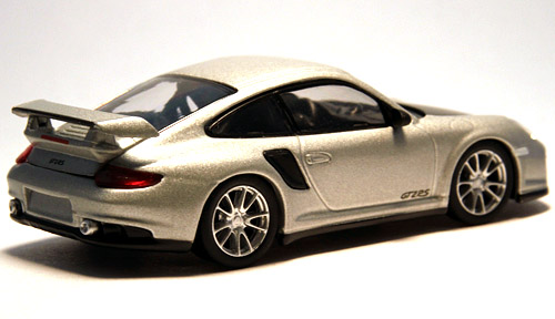 GT2RS_silver_002.jpg