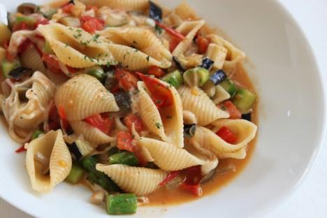 野菜とモッツァレラのパスタ2011.12.29