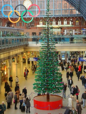 lego-christmas-tree-st-pancras-4[1]