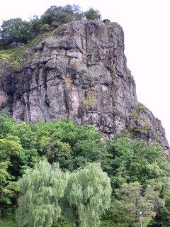 下から願望岩