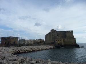 ナポリ12卵城